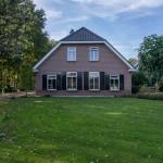 Vooraanzicht vrijstaande woning te Putten, Roosendaalseweg 172